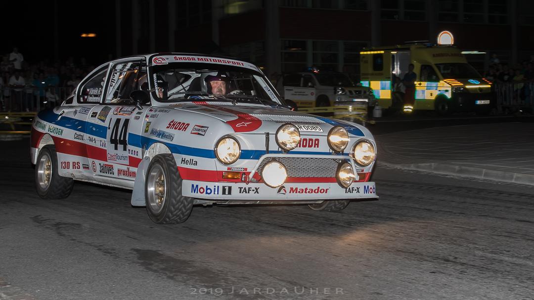 Roman Vaněk s navigátorkou Dianou Vaňkovou ve voze Škoda 130LR